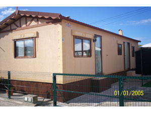 2000 Aitana park home 2 bedrooms bathroom excellent condition.